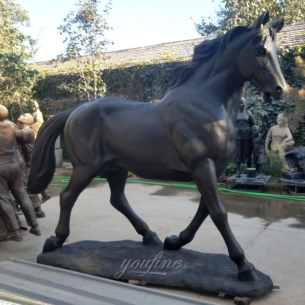 yard art horse racing statue sculpture with jockey for sale India