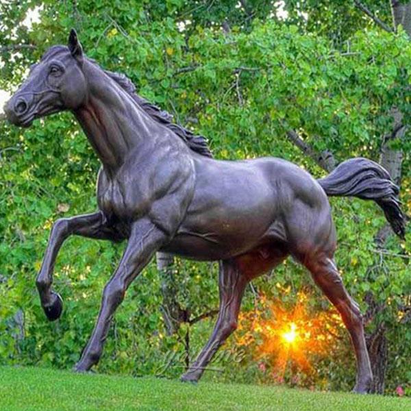 yard art horse racing statue sculpture with jockey garden decor China