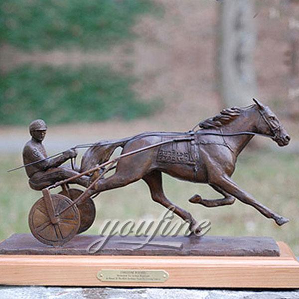 Hot sale indoor desktop decorative bronze horse figurine from china for hmoe decor