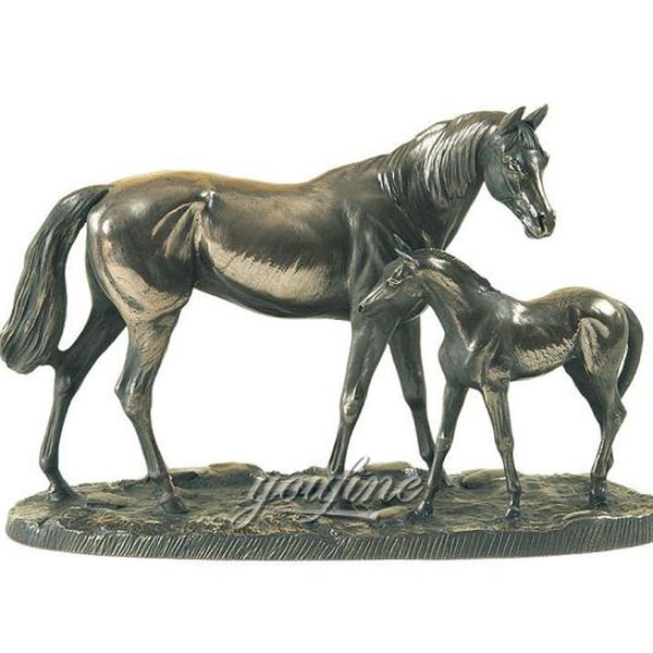 Metal art bronze figurines of mother horse with little poney statues for sale