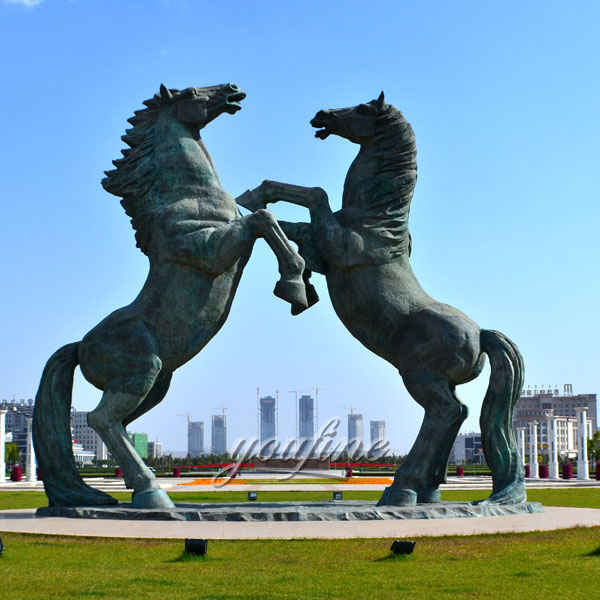 Outdoor bronze rearing horse statues fighting for sale