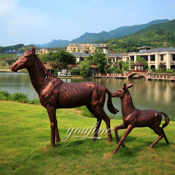 large standing big bronze horse with little poney statues for Outdoor
